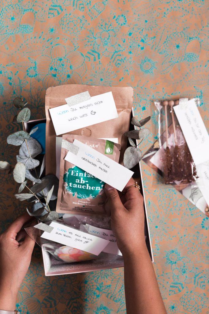 ein pers nliches geschenk f r die liebste freundin wenn dann box. Black Bedroom Furniture Sets. Home Design Ideas